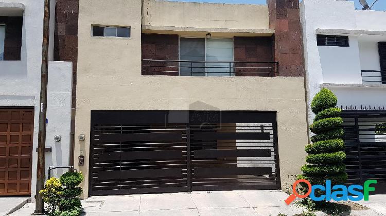 Casa sola en renta en Paseo de Cumbres, Monterrey, Nuevo